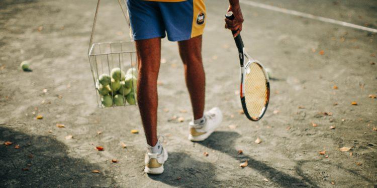Best Tennis Ball Hopper | 2020 Guide and Reviews